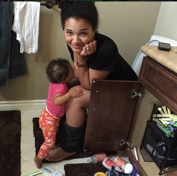 Cómo vencer el aburrimiento mientras amamantas a tu hijo
