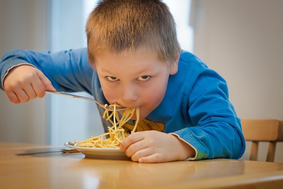 Comer en el colegio: beneficios y dudas