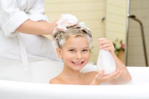 Un buen baño relajante puede ser la técnica de relajación perfecta si mi hijo es muy inquieto.