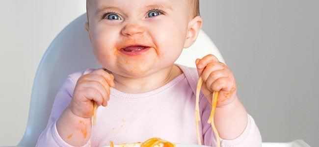¿Qué hacer con un niño que no quiere comer?
