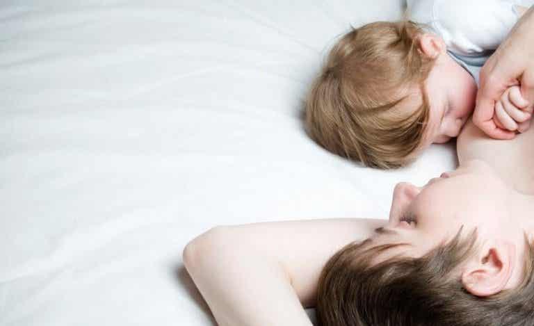 ¿Cómo funciona la tetanelgesia para bebés?