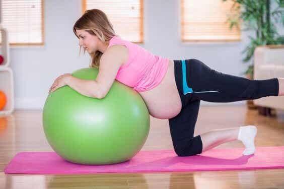 ¿La actividad física ayuda a la labor de parto?