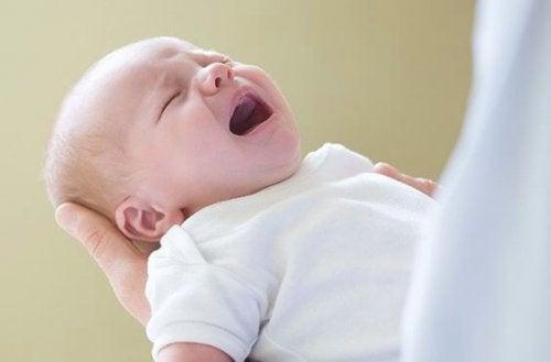 3 cosas que podrían causar mucho daño a los bebés