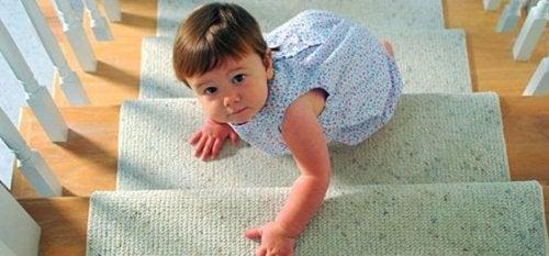 Adecúa tu casa para los primeros pasos del bebé