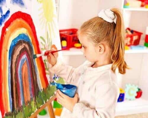 Cómo desarrollar las habilidades artísticas de los niños