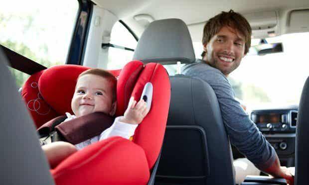 Cómo llevar a tu hijo seguro en el auto
