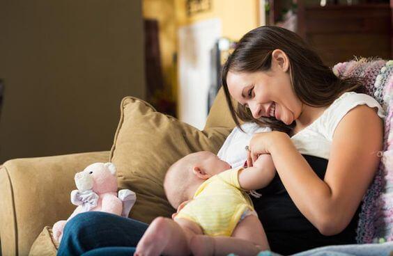 Permiso de maternidad remunerado para autónomas es posible