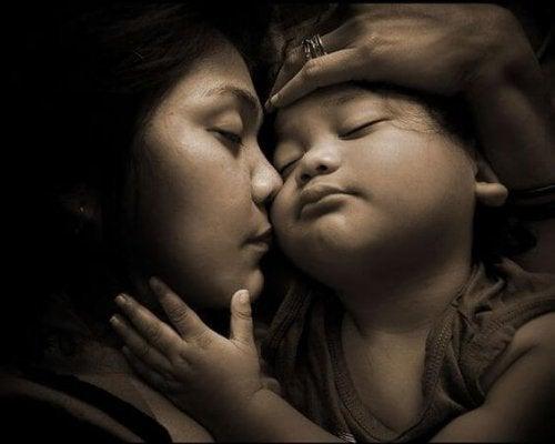 Ser mamá también es estar en contacto con tu propia sombra