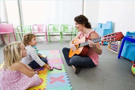 13 beneficios de la musicoterapia en los niños