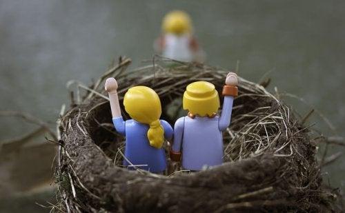 Tous les parents ne vivent pas le syndrome du nid vide de la même façon.