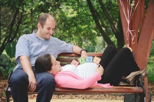 5 síntomas del embarazo que presentan los futuros papás