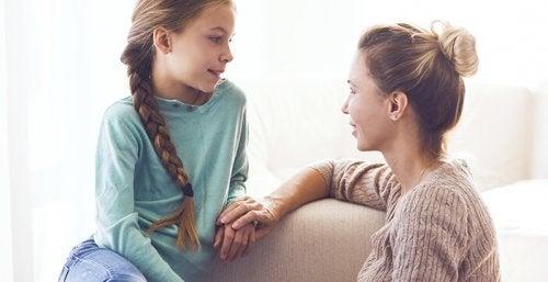 hablar_primera_menstruacion_con_tu_hija_703x361