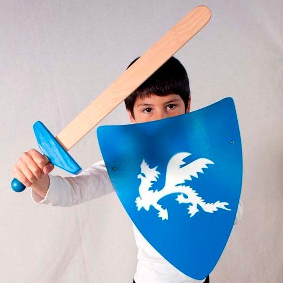 Juguete de madera tradicional basado en la pedagogia waldorf. Wodden toy