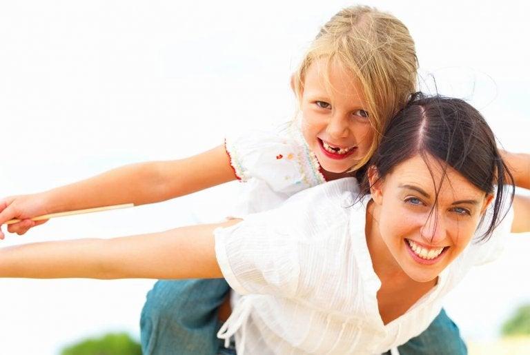 Si eres una madre feliz tu hijo será más inteligente