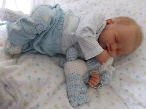 ¿Por qué puede causar adicción el bebé reborn?