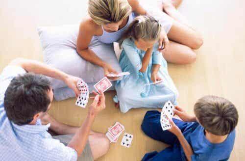 Jugar con tu niño lo hará más inteligente