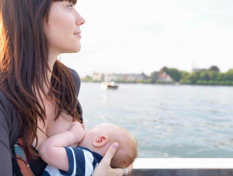 Fotos de lactancia materna en redes sociales: ¿sí o no?