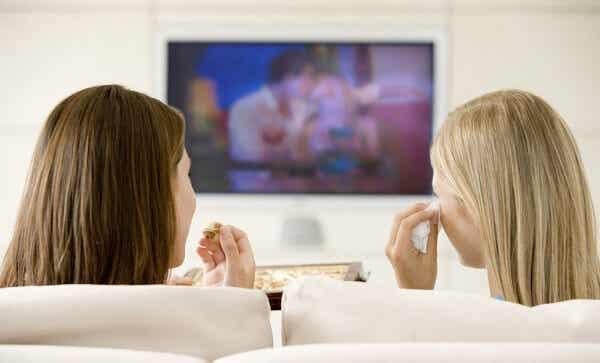 ¿La televisión afecta al comportamiento sexual de los adolescentes?