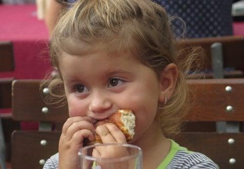 Peligros del aceite de palma para los niños