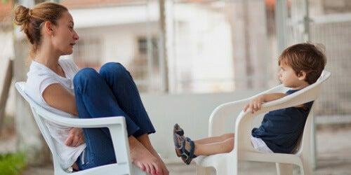 Cómo saber si tu hijo presta atención cuando le hablas