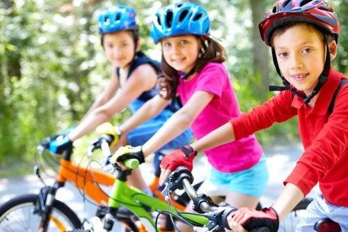 Cómo fomentar valores en los niños por medio del deporte