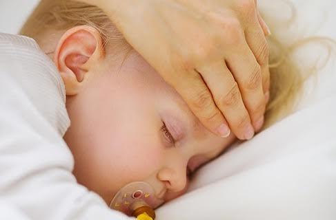 3 maneras de medir la fiebre al bebé