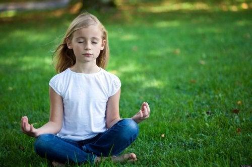 Los beneficios de la meditación en el aula repercuten en varios ámbitos de la vida.