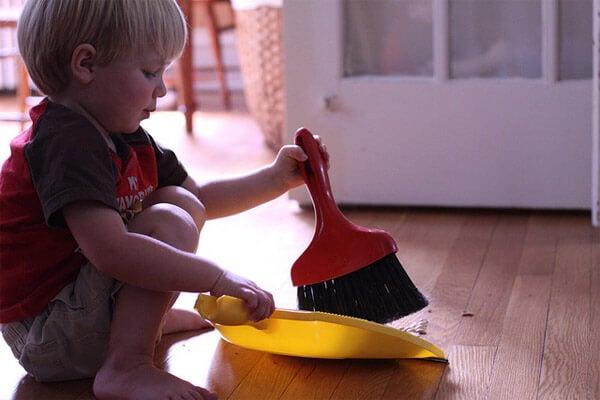 Colaborar en las tareas de la casa es una misión de todos.