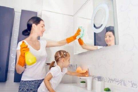Las tareas del hogar que tu hijo debe hacer según su edad
