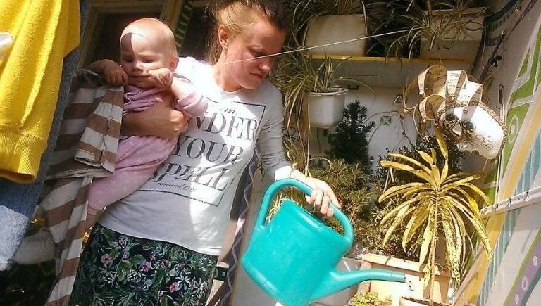 Una chica documenta el día a día de su maternidad