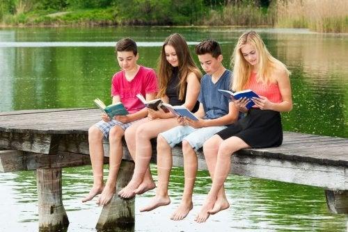 La importancia para los adolescentes de leer a los clásicos