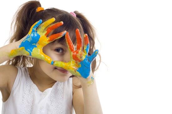 Enseña a tu hijo a pintar con estas técnicas