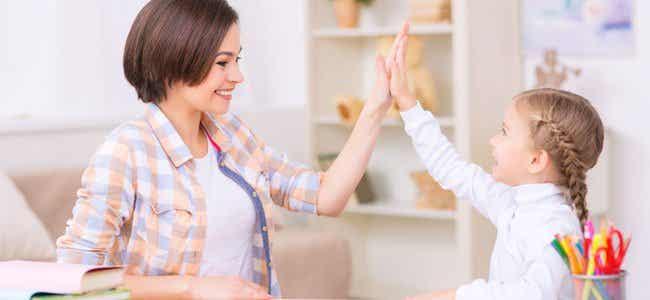 Cómo aplicar el refuerzo positivo en la educación de los niños
