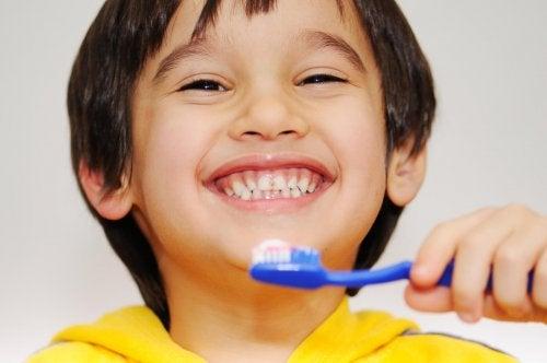 5 mitos sobre los dientes de los niños