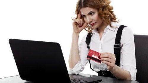 El peligro de comprar anticonceptivos por Internet