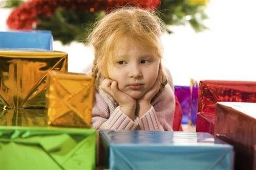 7 razones para no regalarle demasiados juguetes al niño