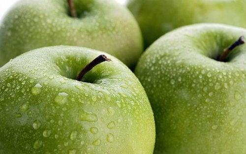 La manzana es una de las frutas ideales para la embarazada.