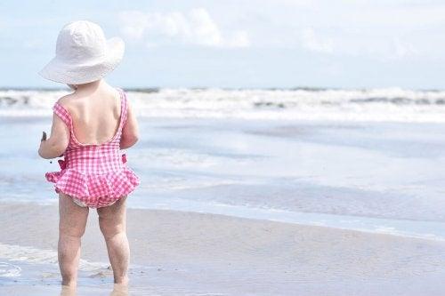5 tips para elegir la mejor crema solar para niños