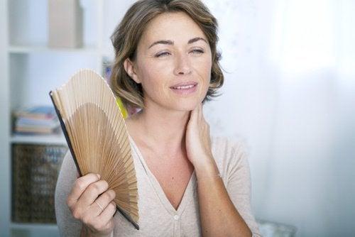 Con la puede empezar edad que mujer menopausia a una
