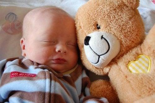 Manual de cuidados básicos del recién nacido