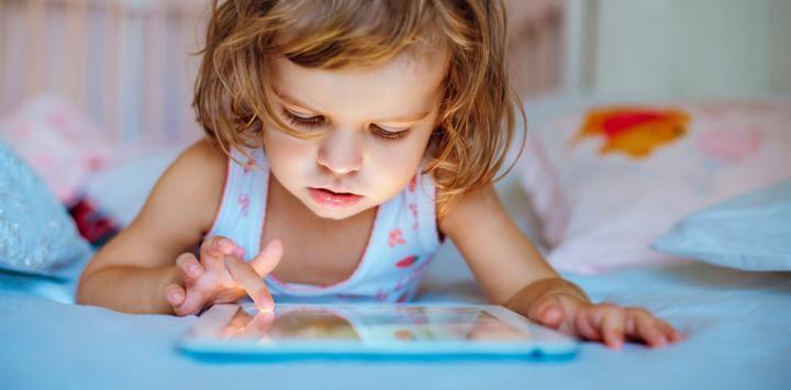 """El uso de pantallas """"touch"""" altera el sueño de tu hijo"""