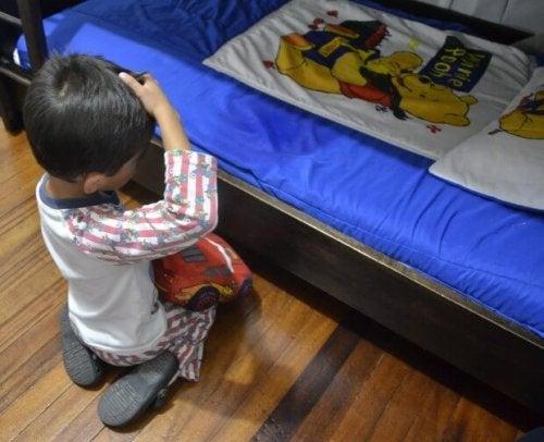 ¿Cuándo ir al pediatra si tu hijo moja la cama?
