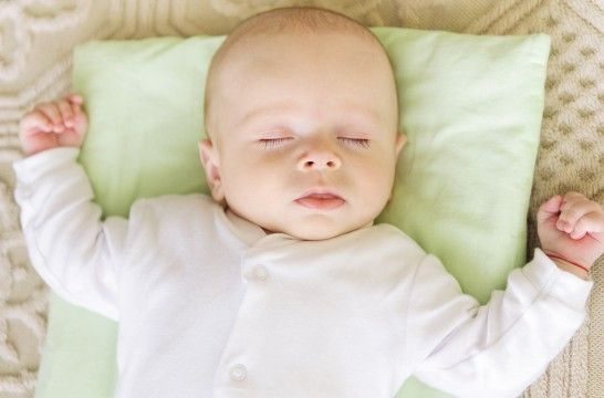 los bebés no deben usar almohada 3