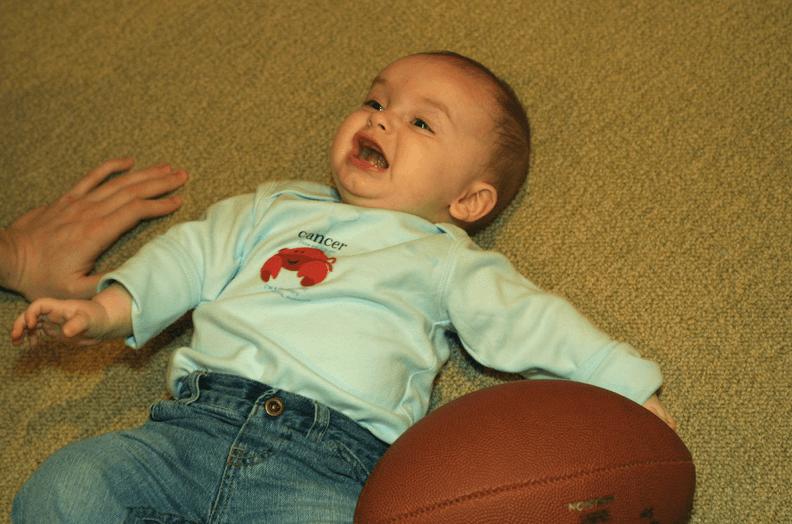 bebé al suelo 2