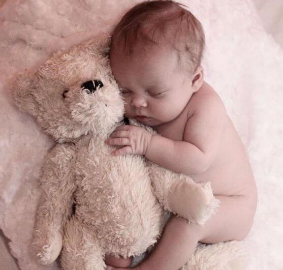 Carta de un bebé que despierta por las noches a su mamá