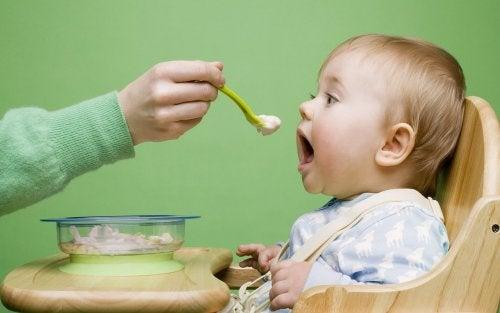 Cómo conseguir que tu bebé tenga una buena relación con la comida