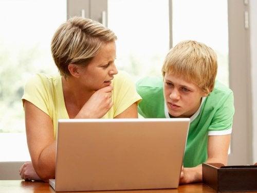 Las calificaciones escolares bajas no siempre significan que el niño no tenga interés en aprender.