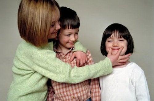 7 cosas que pueden pasar si eres la hermana mayor