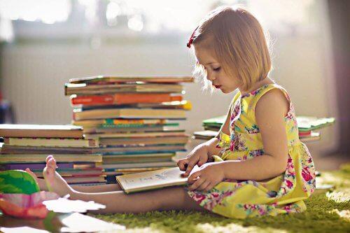 5 libros que tu hijo tiene que leer antes de los 6 años