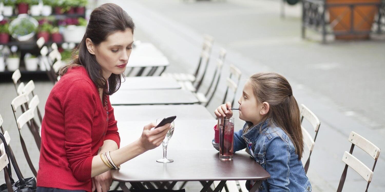 El sharenting puede perjudicar a nuestros hijos.